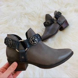 Steve Madden Ankle Boot 6.5 Gray Leather harness
